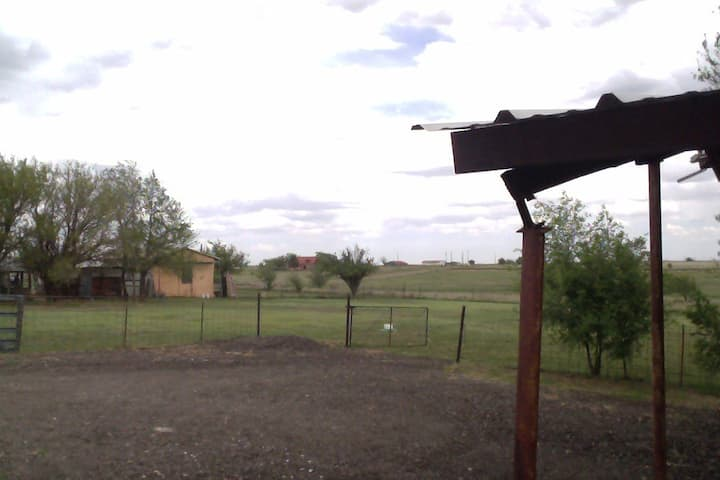 NEAR Palo Duro Canyon w/Private Country Views