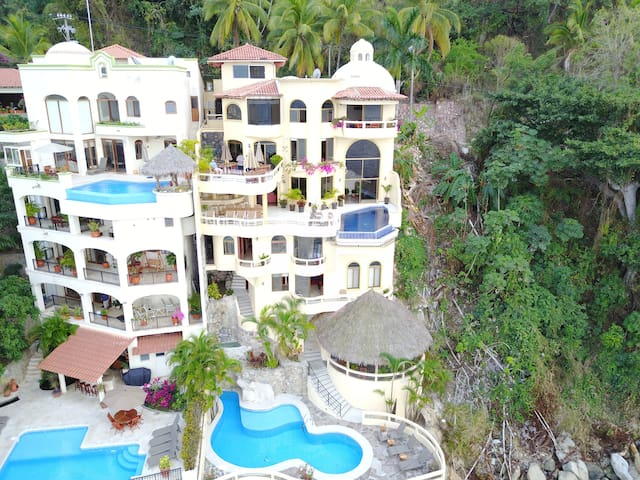 Ocean Front Villa on Puerto Vallarta Bay-Staffed - Puerto Vallarta - Haus