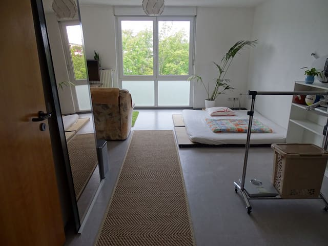 Quiet, cosy, central, zazen centered apartment