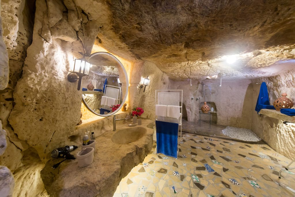 Bagno in Grotta