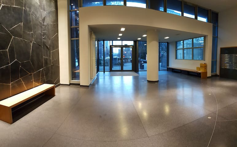 Super central office apartment (Main station/Alster)!