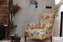 Spinks Nest Cottage -Luxury boutique flint cottage