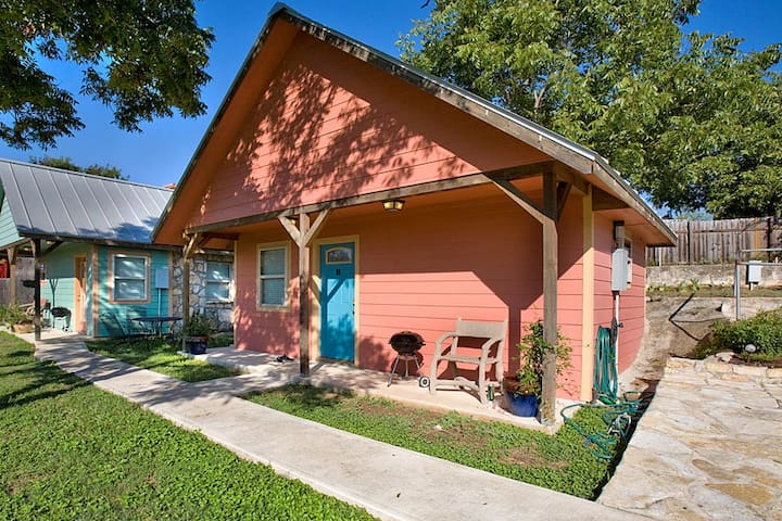 Blanco Riverside Getaway - Coral Cottage