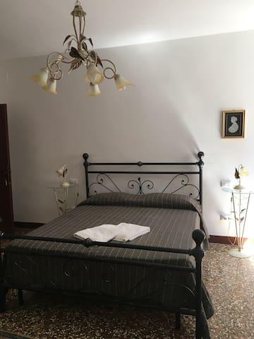 Spaziosa camera a San Marco - Venetië - Appartement