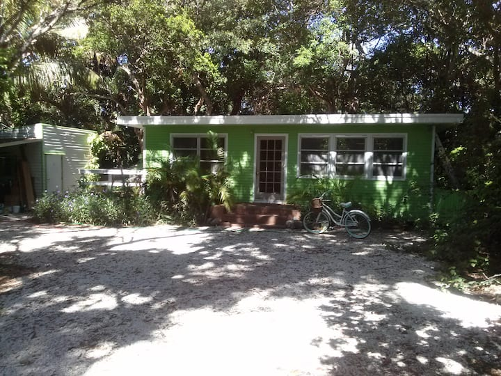 Islamorada Home plus bunkhouse!
