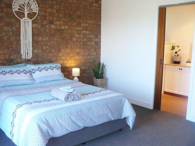 Private Guest Suite - Port Fairy