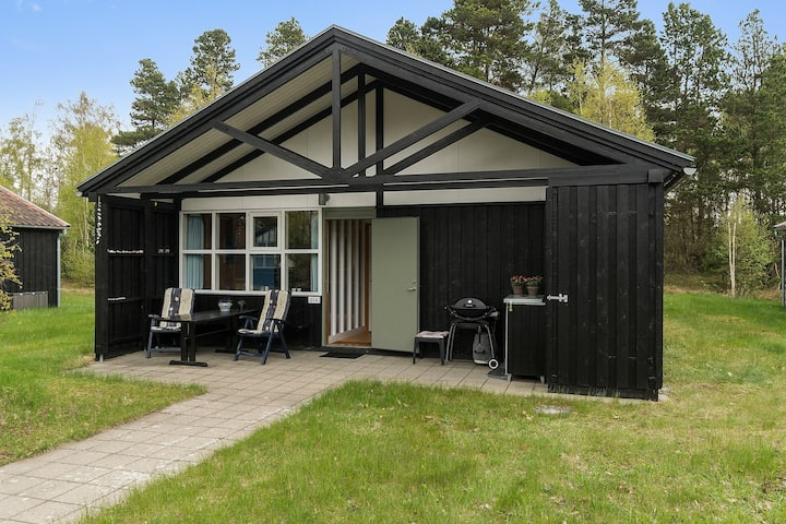 Lovely holiday house, 4 minutes walk from beach