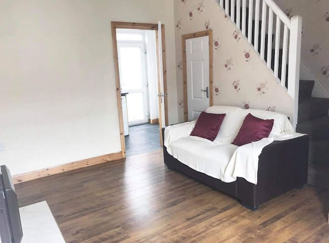 Private terraced house in Belfast *whole property*