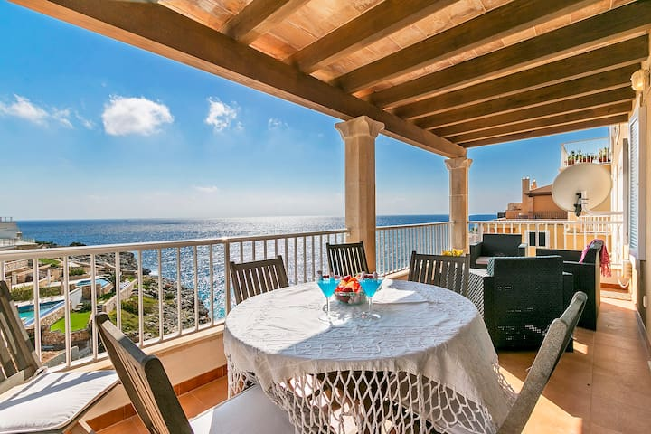 Frontline apartment with fantastic sea views ROC - Cala Magrana - Appartement