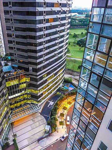 AmazingView Spacious w/ 2bedroom at BGC w/ WiFI
