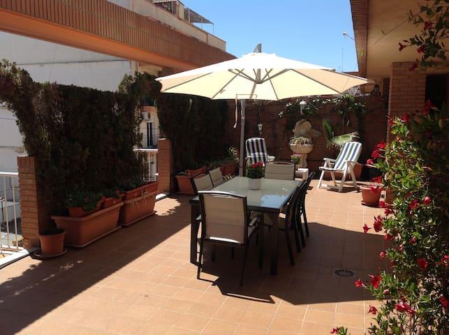 Penthouse with large terrace, great location! - València - Apartament