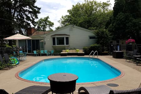 Lake Ontario Retreat with Pool Near Niagara Falls - Burt - Dom