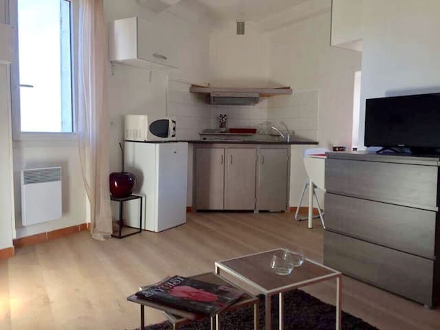 JOLI STUDIO 2 pers - 10mins Cannes - Le Cannet - Appartement