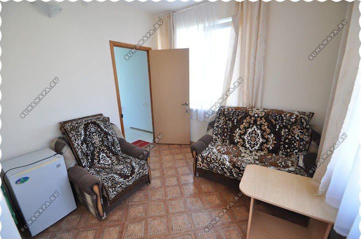 Семейный номер 1 с террасой на 2-м этаже. Спальня для детей.
