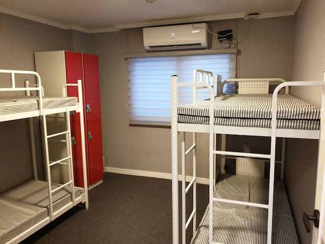 [Female]A Bed in 4-Bed Dorm near Haeundae Beach