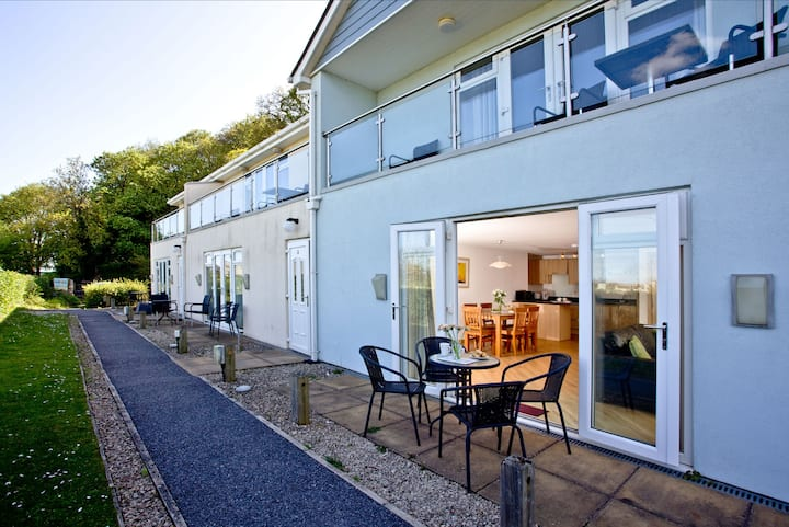2 Red Rock Apartments - A few hundred yards from Dawlish Warren