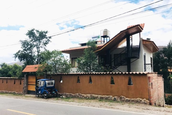 Amplia casa de campo amoblada en Urubamba, Cusco