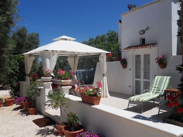 Romantic Trullo in magical garden - Carovigno - Villa