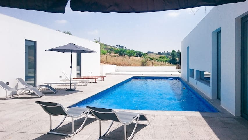 Villa Moderna - Enxara do Bispo - Rumah