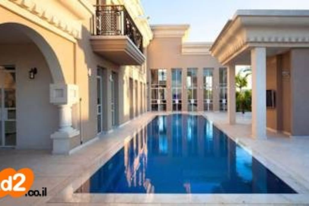 She is worth it villas louer caesarea haifa for Piscine poolman