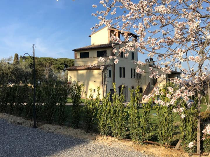 Charming country house for 10 near Montepulciano