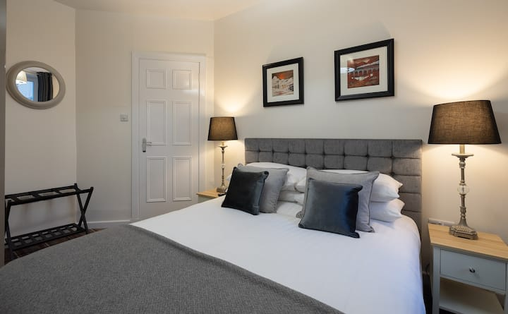 Fabulous apartment on the Royal Mile near Castle