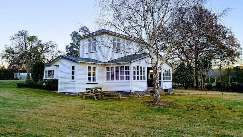 Toi Toi House- A rural retreat in North Canterbury