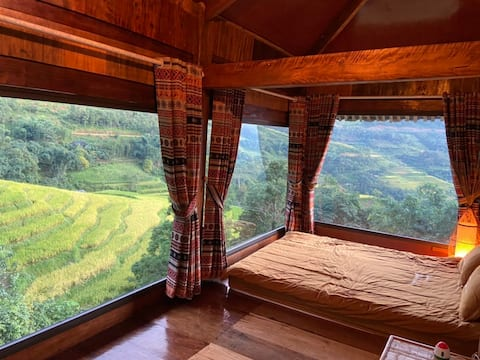 Comfy homestay in ethnic village w rice paddy view