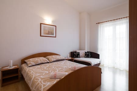 Apartment Lorena 5 - ポレッチ(Poreč)