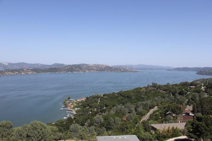 Beautiful Lake view House 8254
