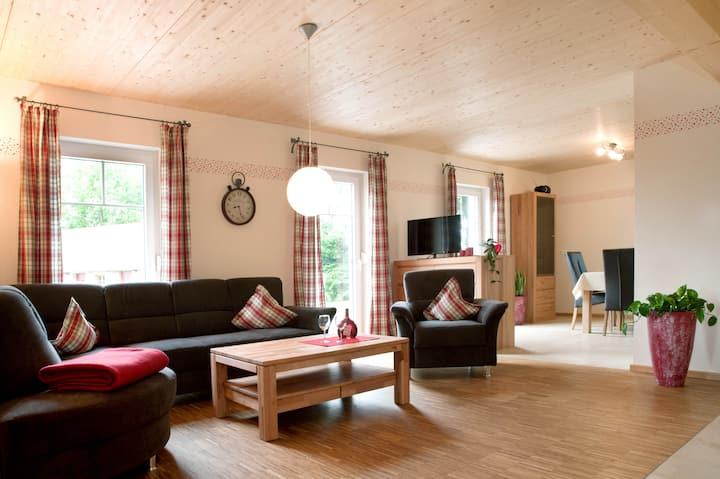 Ferienhof Gögelein (Feuchtwangen), Ferienwohnung Kirsche mit moderner Einrichtung