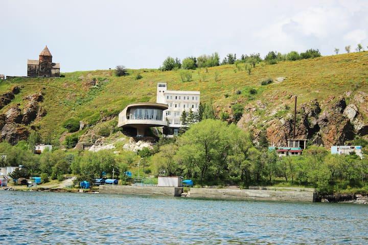 Дом отдыха писателей (Севан полуостров)