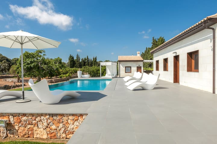CAN TOMEU - modern house with private pool for 6