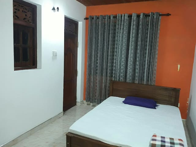 Double Bed Room (A/C)
