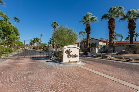 Gard Gated Desert Falls Estate - Palm Desert