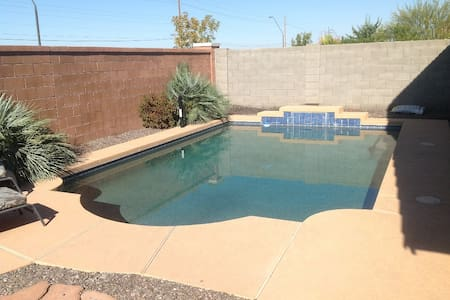 San Tan Valley - Backyard Pool & BBQ - Queen Creek