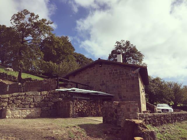Cabaña rústica resconorio