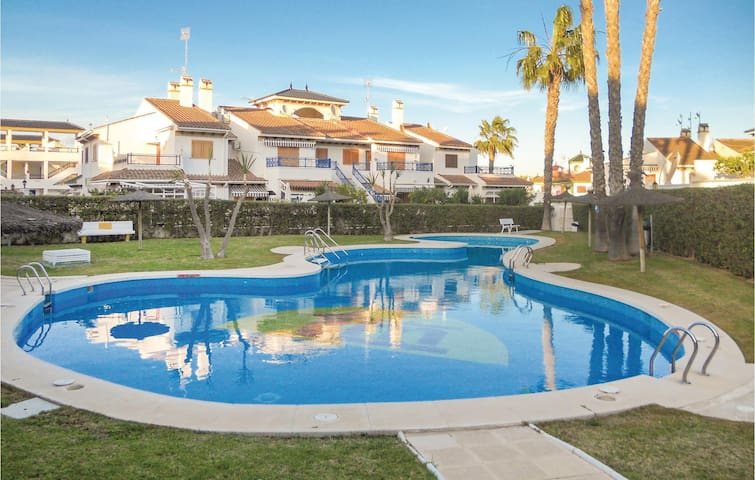 Holiday apartment with 2 bedrooms on 60 m² in Pilar de la Horadada