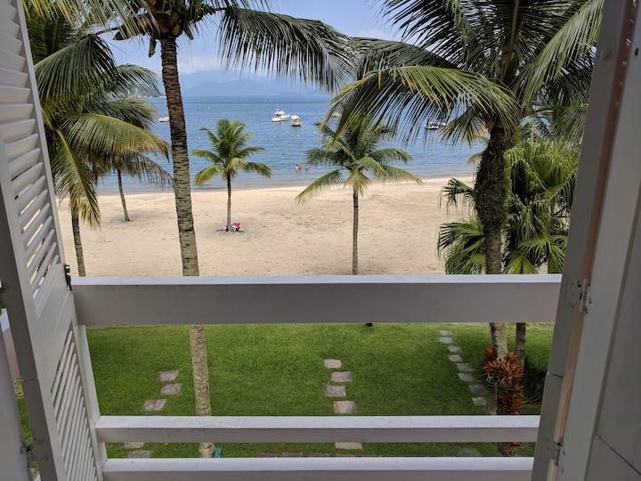 Espetacular casa com varanda na areia no Portogalo