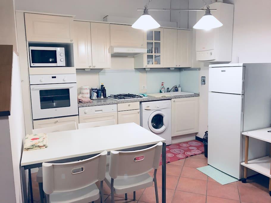 Zona cucina attrezzata