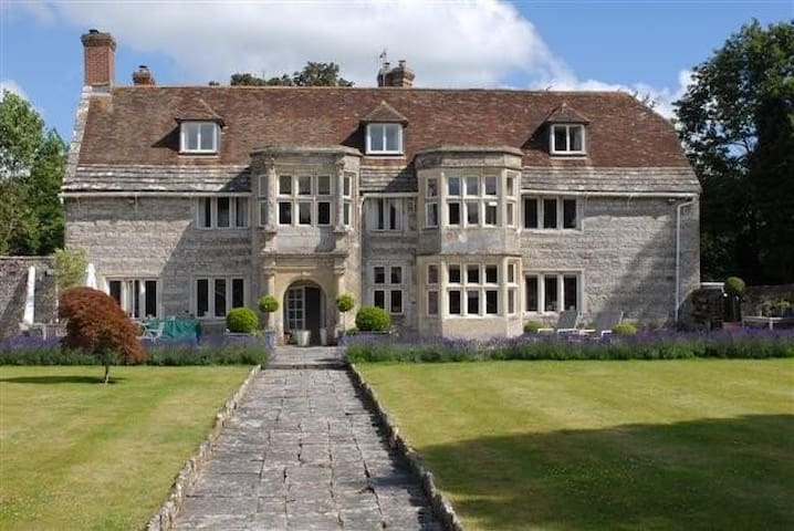 Historic manor house with hot tub and games room - Blandford Forum - Casa