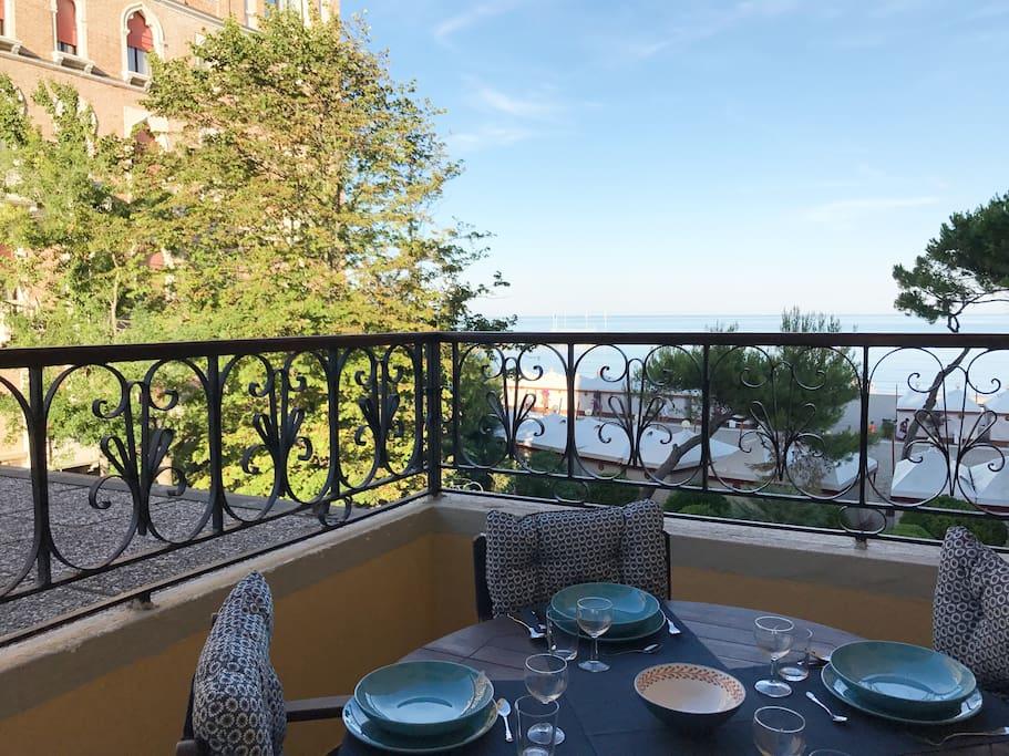 The terrace facing the sea