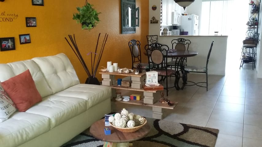 Nice clean room, quite area. - Vero Beach - Complexo de Casas