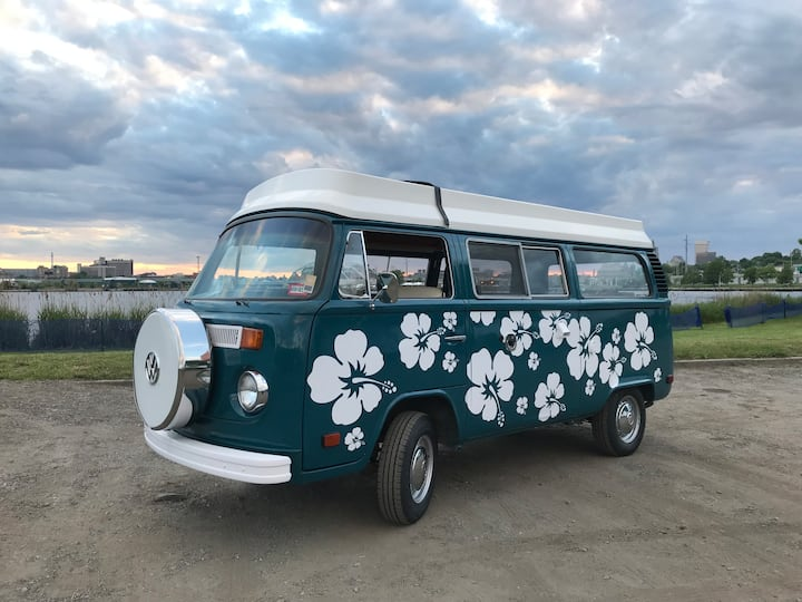 "Restored VW Camper ""Elvis"" for New England Camping"