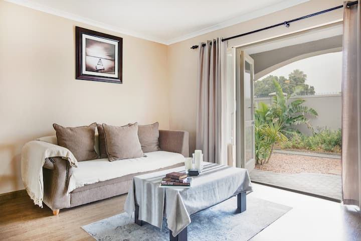 Tranquil apartment in sought after neighbourhood