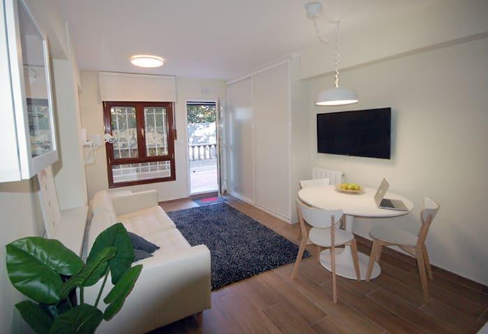 SUN&SEA   Moderno apartamento  en la playa