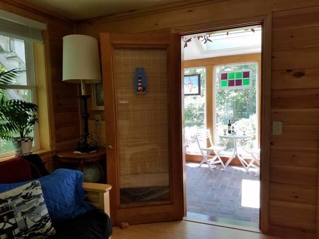 Door from solarium to the            apartment