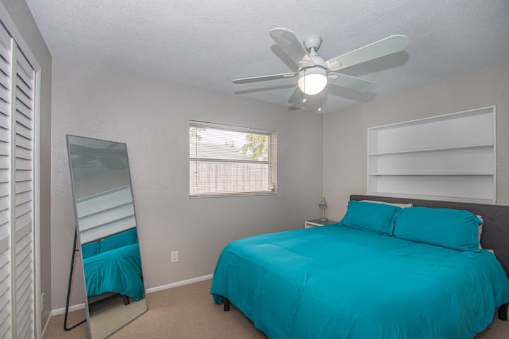 Third Bedroom w/ Queen