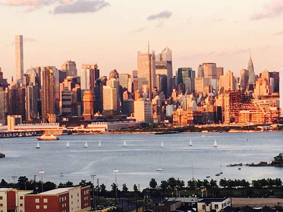 The view of the Manhattan Skyline is incredible.
