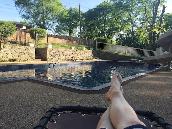 Cozy Haven in resort-like estate nr Nashville!